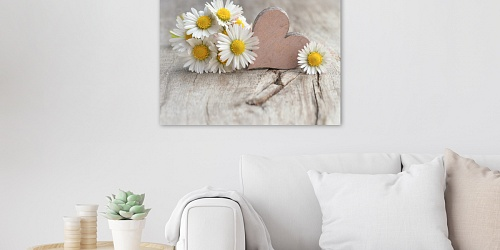 Painting Heart with Daisies